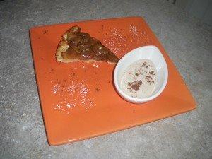 Tarte tatin pomme-carambar et sa creme legere au caramel IMGP0896-300x225